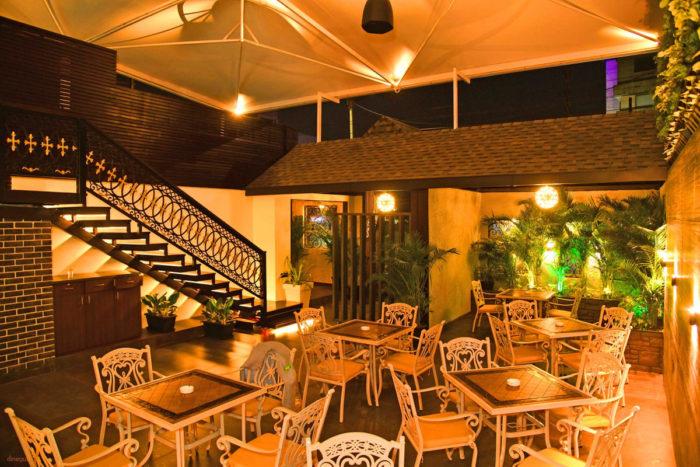 Quench Yard | Best Restaurants in Indore