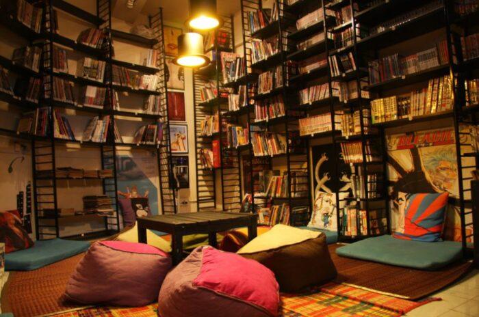 book cafe in Mumbai